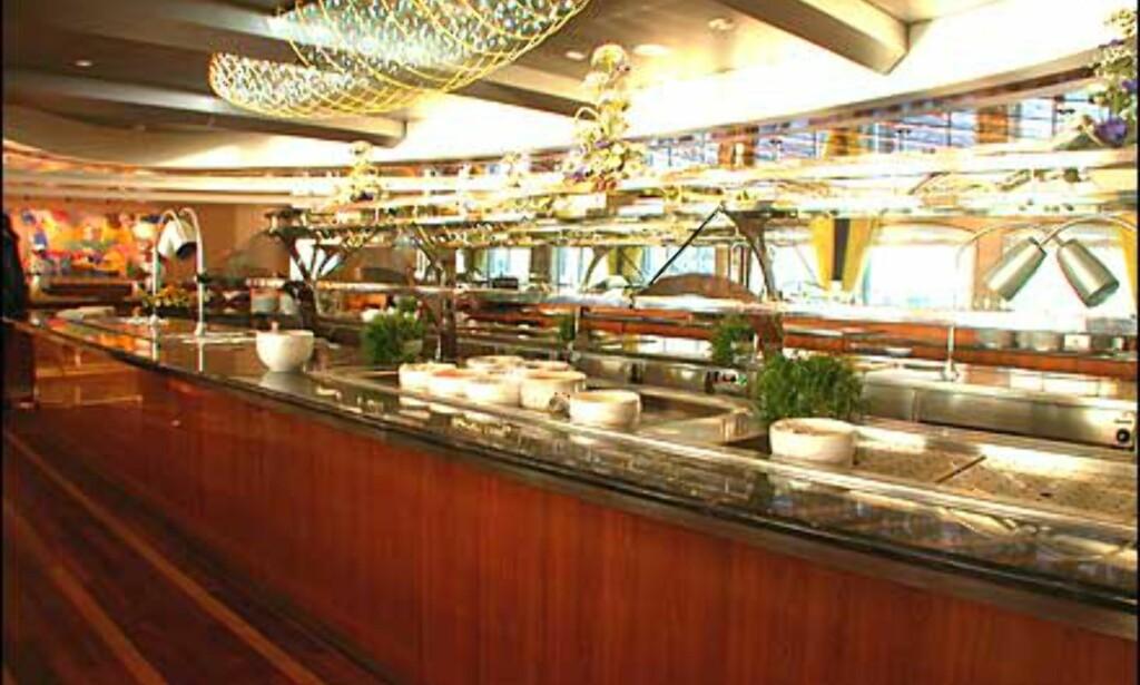 Langbord for buffet til frokost, lunsj og av og til middag.