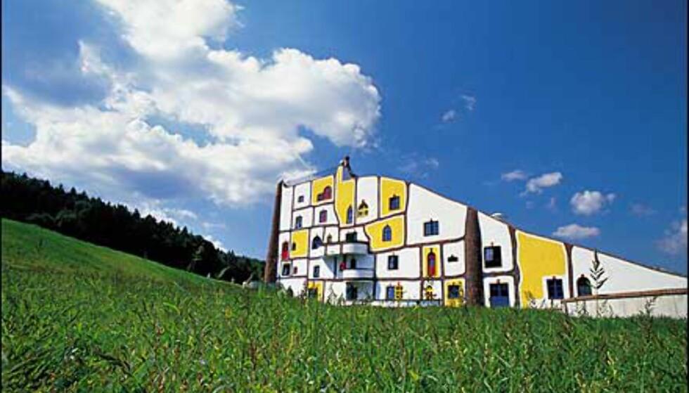Eventyrhotell i gressbakken. Foto: Rogner Bad Blumau