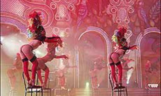 Show både med - og nesten uten - klær. Foto: http://www.laspalmascarnaval.com/ Foto: http://www.laspalmascarnaval.com/