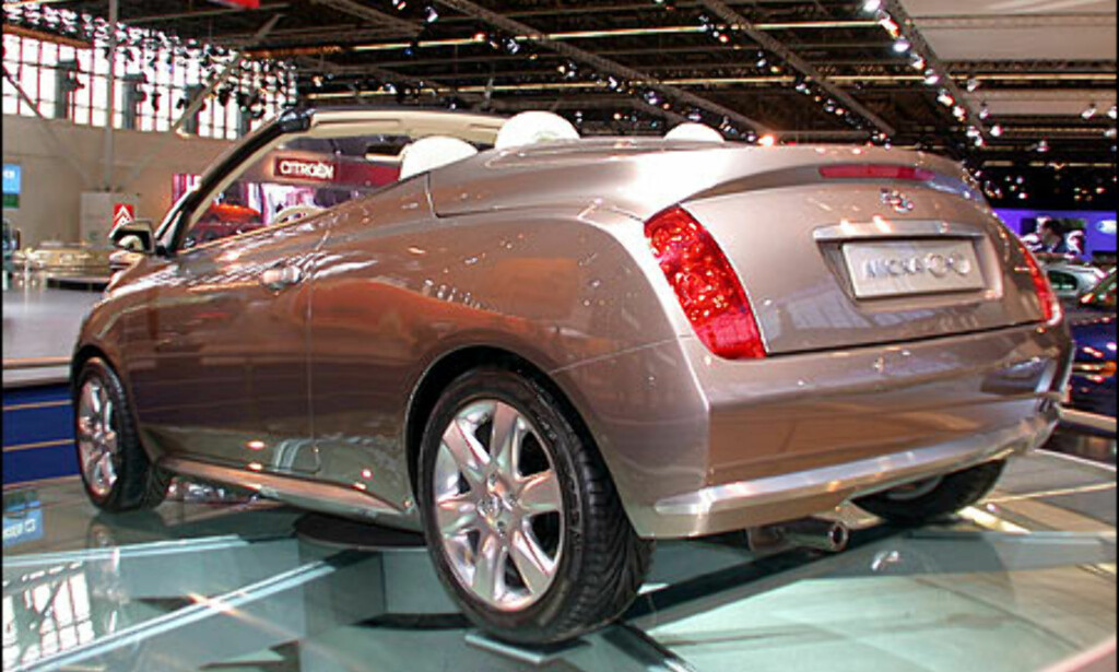 Nissan C+C.