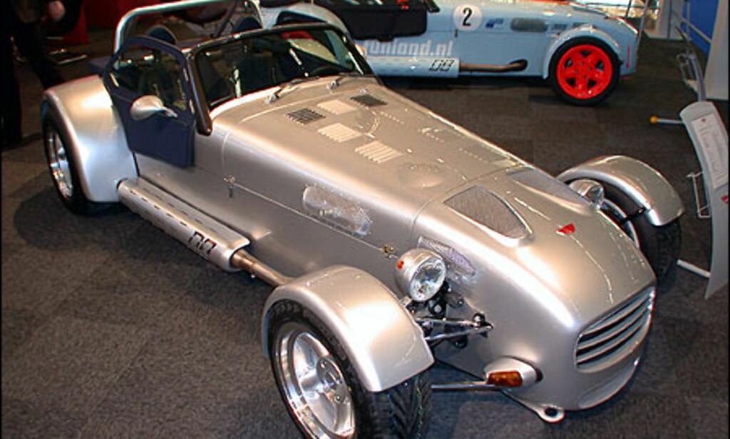Donkervoort. Disse bilene kommer med 1,8-liters motor fra Audi. Du kan velge 150, 180 eller 210 hestekrefter.