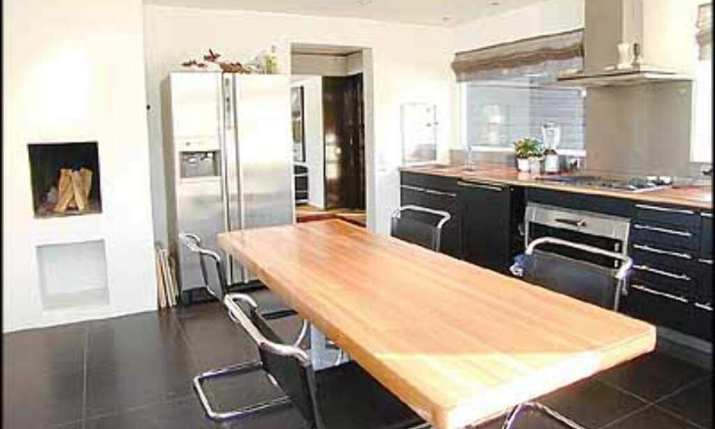 Nytt kjøkken med på kjøpet for 20 millioner, samme bolig som forrige bilde (A Megler).