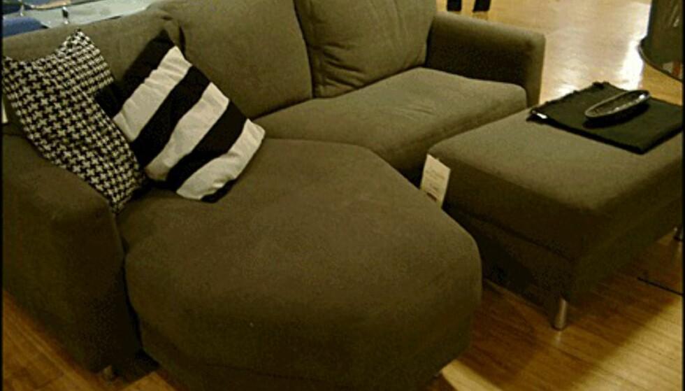 Sofaen Free fra Skeidar koster 7.490 kroner. Skammelen til høyre koster 1.690 kroner.