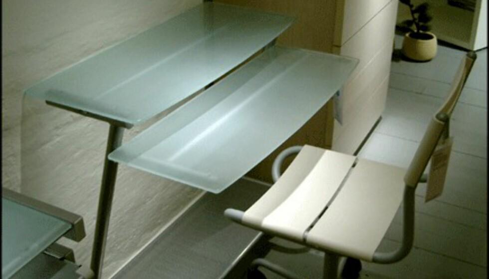 Skrivebordet Contempo 4 gir også assosiasjoner til isbreer. Pris: 600 kroner hos Bolia.com.
