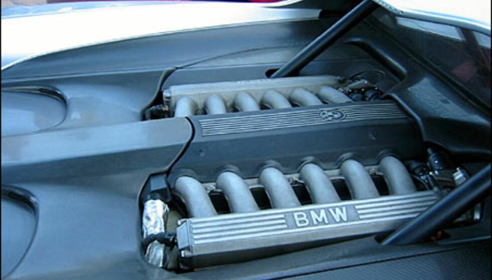 BMW V12-motor. (FOTO: Birger Heigre)