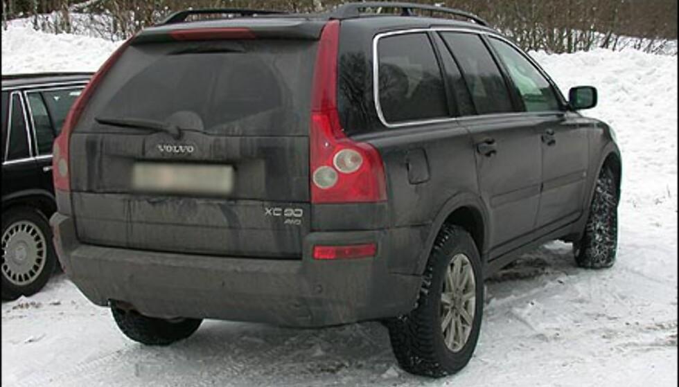 NYKOMMER: Denne Volvoen derimot, har nok ingen problemer med å håndtere norsk vinter. De første eksemplarene av nykommeren XC 90 er allerede på plass i Norge.