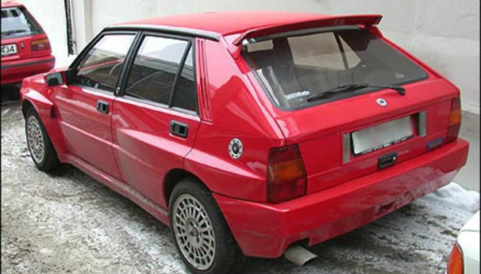 DRØMMEBILEN: Husker du Lancia Delta HF Integrale? Det finnes fortsatt noen eksemplarer igjen av denne bilen, som har fungert som ønskedrøm for mang en guttepjokk.