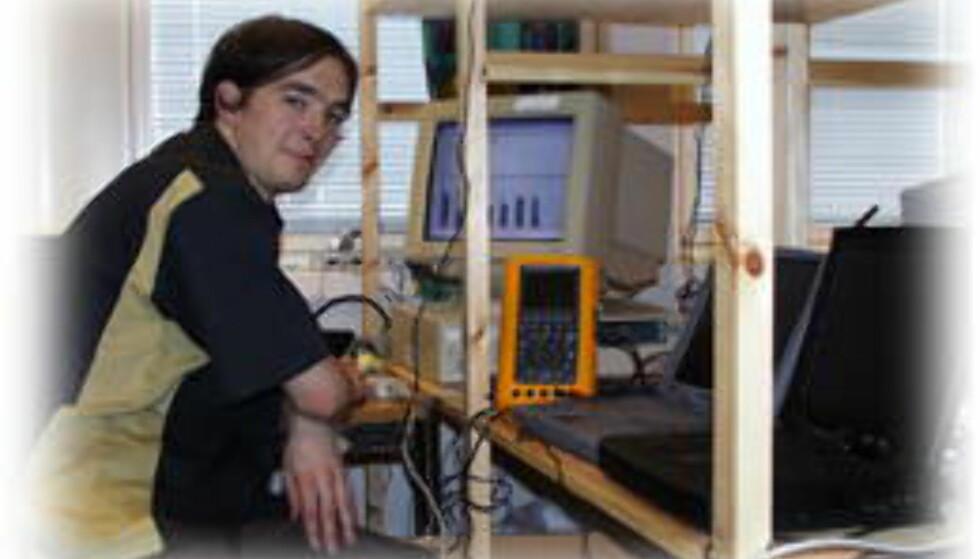 Harddisker, CD-brennere, DVD-brennere og LCD-skjermer testes grundig i vår testlab, dels med egenutviklede programmer for ytelsesmåling. Foto: Torvald Kvamme