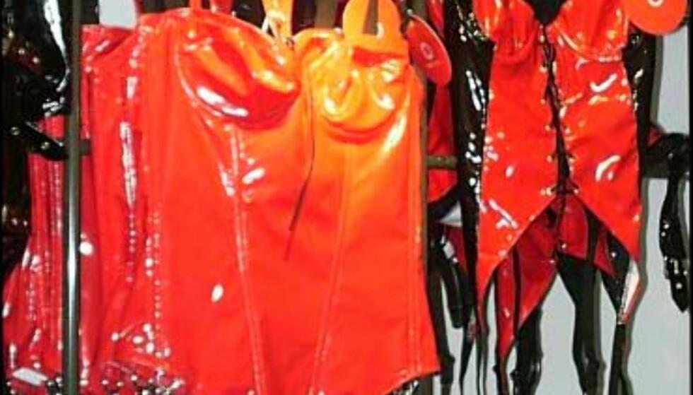 Beate Uhse har stort utvalg av sexy undertøy. Fører også de fleste størrelser.