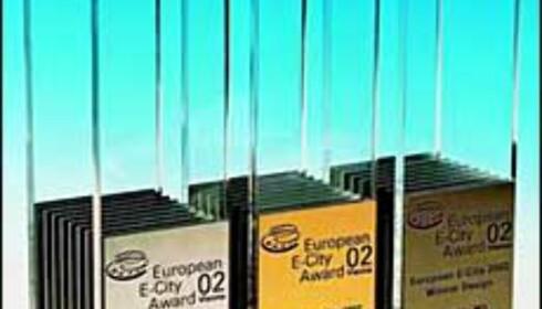 Trofeene som hedrer gull-, sølv- og bronsevinnerne.<br /> <I>Foto: European E-city Award</I>