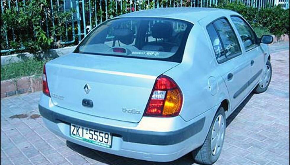 Har du sett denne før? Ikke vi heller. Renault Thalia markedsføres ikke i Norge, og det er kanskje like greit. Vi hadde bilen, som er en slags Clio med bagsjelokk, en uke.