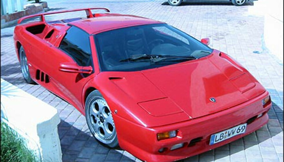 Endelig en skikkelig godbit - en Lamborghini Diablo VT, riktignok med tyske skilter.