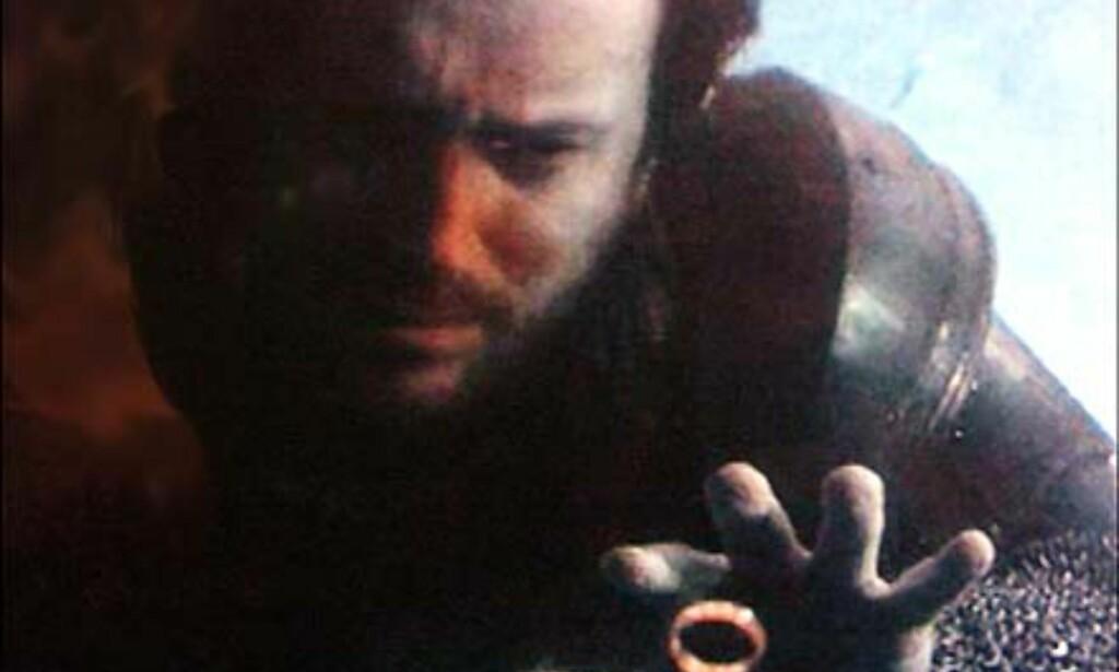 Dette så du ikke i august-utgaven av filmen!  PS: Refleksene i bildet skyldes spotlighter i taket:-)