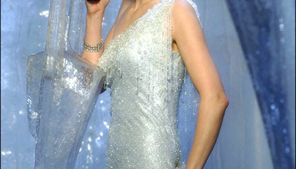 Rosamund Pike spiller Miranda Frost.