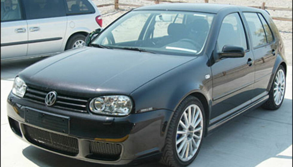 <strong>VW Golf R32:</strong> Femdørsutgave av verstingen klar til neste år.