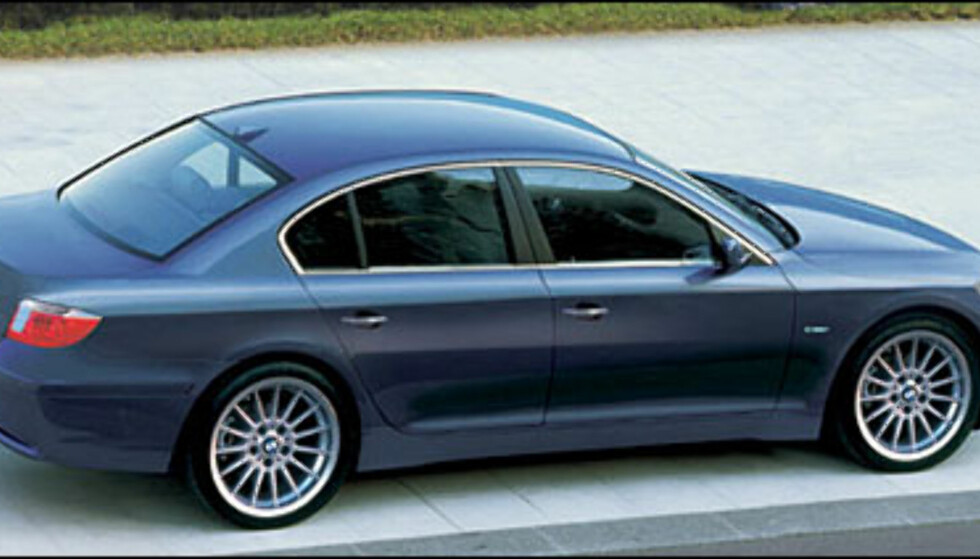 BMW 5-serie: Sedanen kommer i løpet av 2003, stasjonsvognen ett år senere.