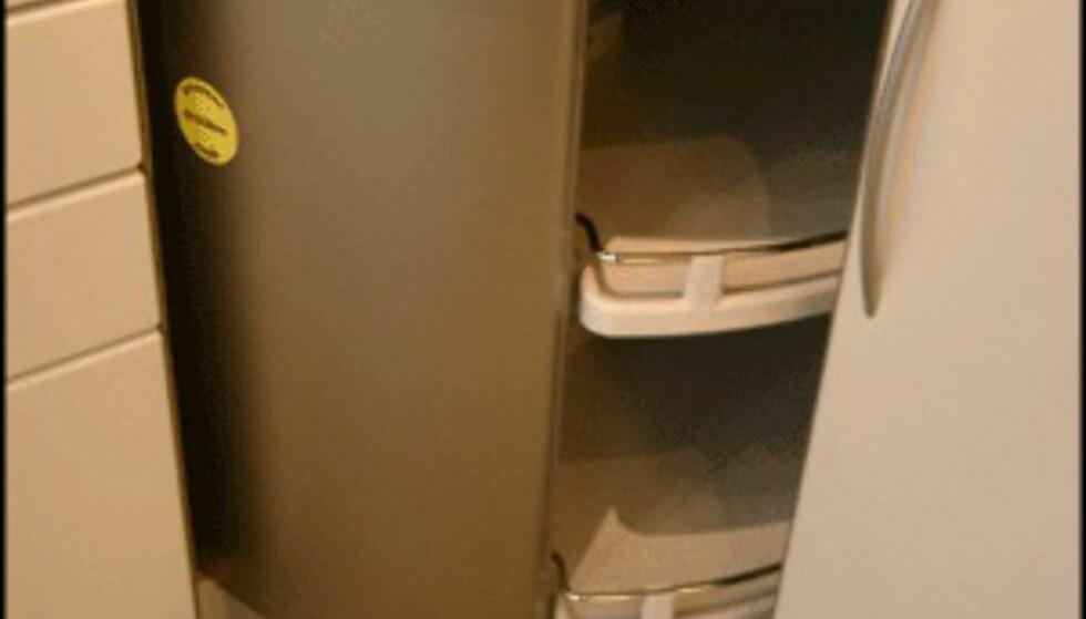 Dette svingbare hjørneskapet fra HTH er et eksempel på hvordan du utnytter liten plass. (Foto: Dag Yngve Dahle)