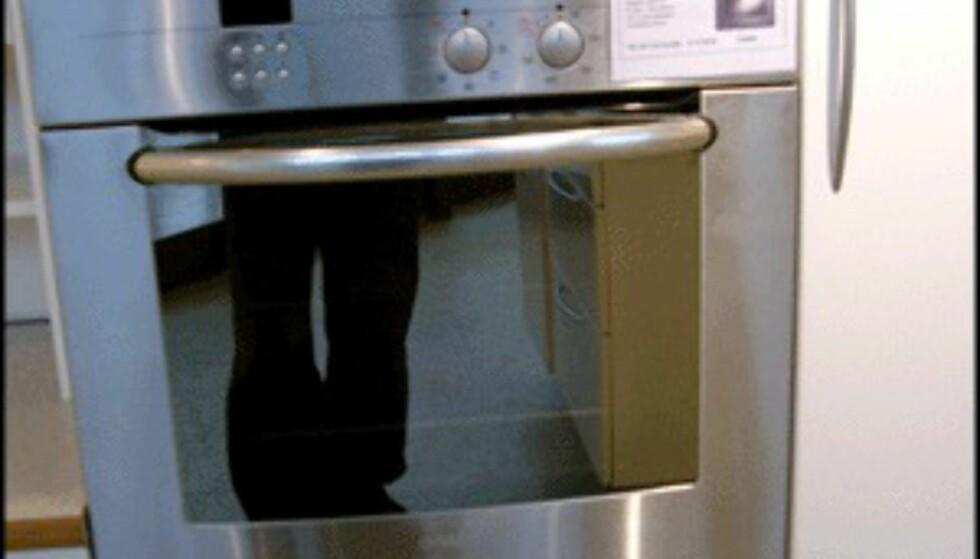 Å integrere komfyren i kjøkkeninnredningen er også plassbesparende. (Foto: Dag Yngve Dahle)