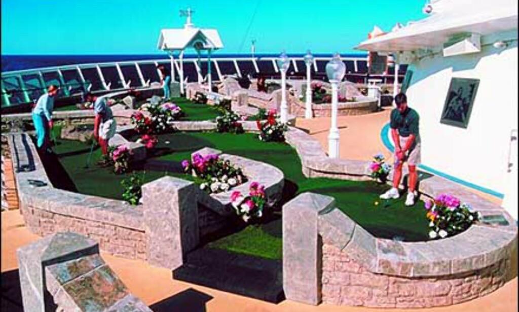 Få sving på golfarmen med RCCL. Foto: RCCL