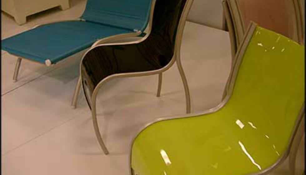 Prisbelønnede stoler. Fra Compasso d'Oro-utstillingen. (Foto: Dag Yngve Dahle)