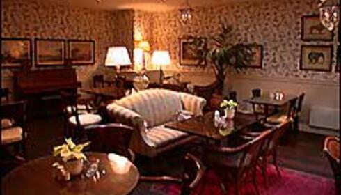 Myke møbler og tilbakelent lunhet hos Bastion. Her fra frokostsalen.