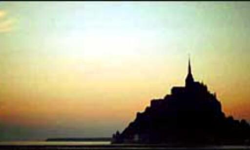 Vakre Mont-Saint-Michel er en populær turistattraksjon i Frankrike. Foto: Jorge Tutor