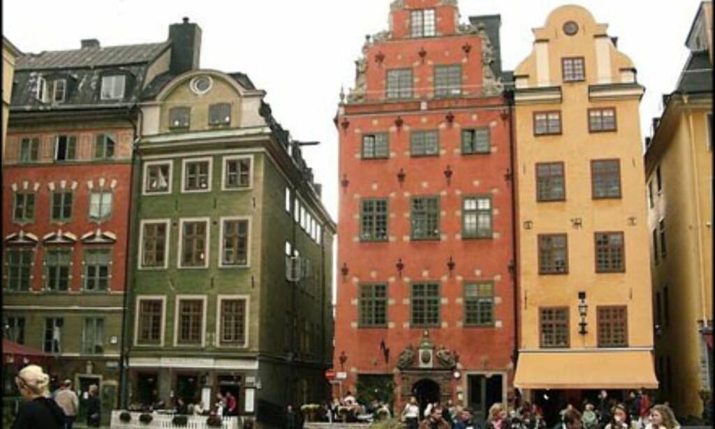 Flere fargerike og flotte bygninger på Stortorget.