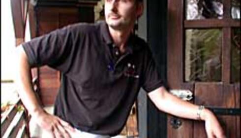 Hotelleier Ron van der Kooi hentet tønnene fra Sveits for 15 år siden.