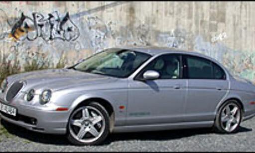 image: TEST: Jaguar S-Type R