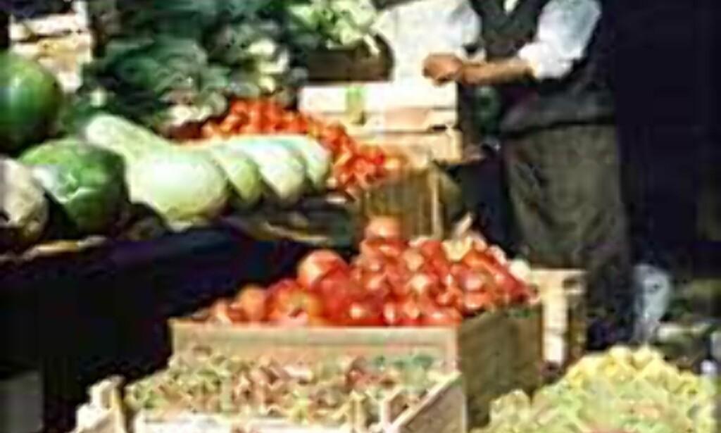 Fruktselger i Iran.<br /> Foto: Tone Lind Jørgensen Foto: Tone Lind Jørgensen