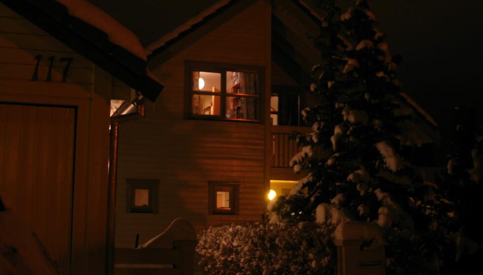 Her har vi tatt bilde med kameraet i nattmodus (lang lukkertid). Bildet er tatt uten stativ, og er derfor ikke helt skarpt.