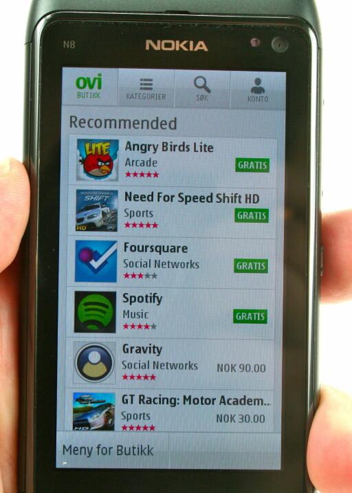 LEKER IKKE BUTIKK: Nokia vet at de trenger en applikasjonsbutikk. Ovi Store kan bli bra, men er foreløpig ikke så behagelig i bruk. Foto: Øivind Idsø