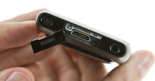 DER VAR DEN: Mini-HDMI-utgangen gjør det mulig koble N8 rett i TVen eller monitoren. Adapter følger med. Minijack-utgang til høyre. Foto: Per Ervland