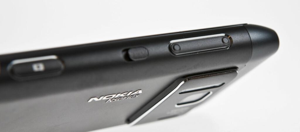 <B>BRA TIL KNIPSING:</B> Nokia N8 har et tolvmegapiksel-kamera som overgår det meste. Men hva med resten av mobilen? Foto: Per Ervland
