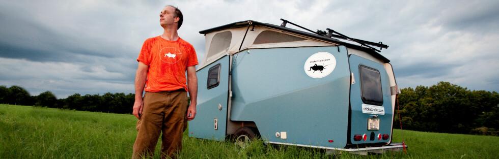 CAMPING: Garrett Finney har gått fra å lage romstasjoner til å bygge campingvogner.   Foto: David Bates/Crickettrailer.com