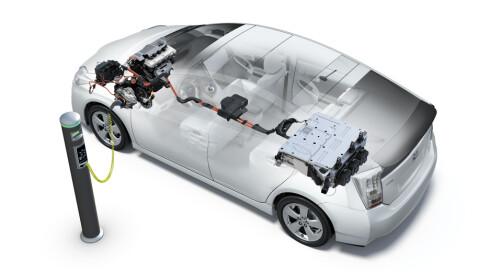 <strong><b>LADBAR HYBRID:</strong></B> Her Toyota PHV. Foto: Toyota