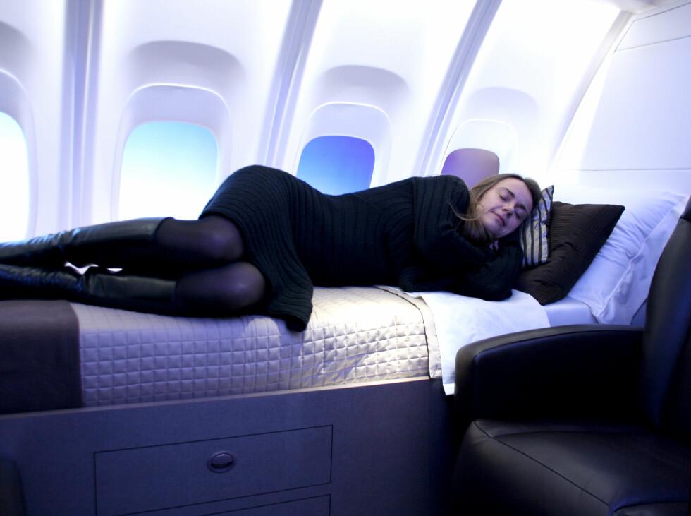 Ifølge Boeing kan de private båsene tas opp og ned på dagen og lett erstattes med businessseter. Dermed kan man ha båsene klare til celebre gjester, som er villige til å punge ut litt ekstra for flykomforten. Foto: Kim Jansson