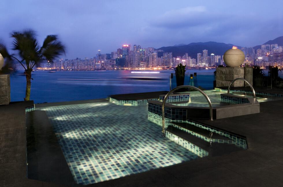 Kveldsbad med utsikt over Hongkong? Foto: Intercontinental Hong Kong