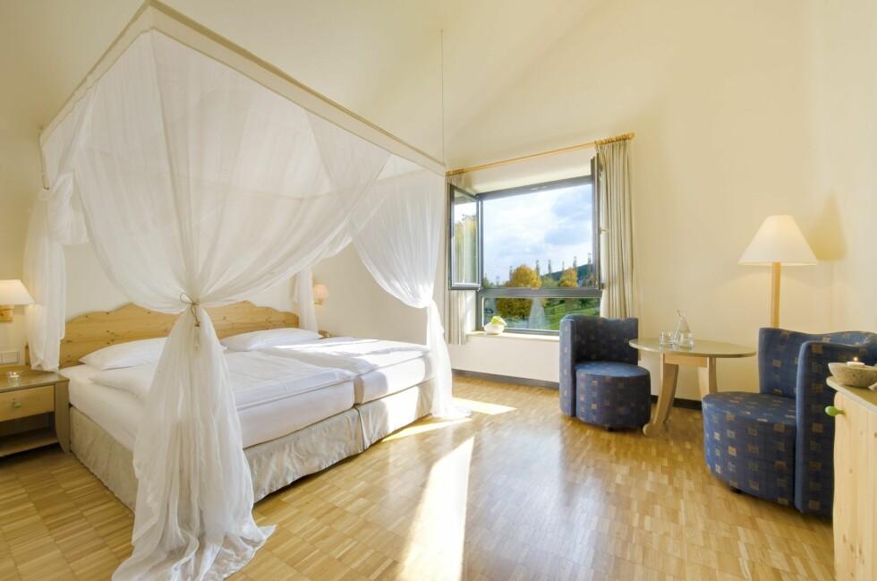 Det bør være god anledning til å sove godt her på Rogner Bad Blumau. Romprisen er fra 185 pund per natt, tilsvarende 1827 norske kroner. Foto: Rogner Bad Blumau