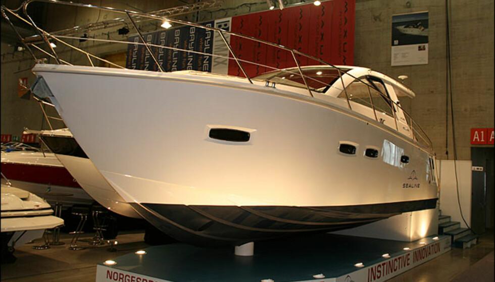Sealine SC35.