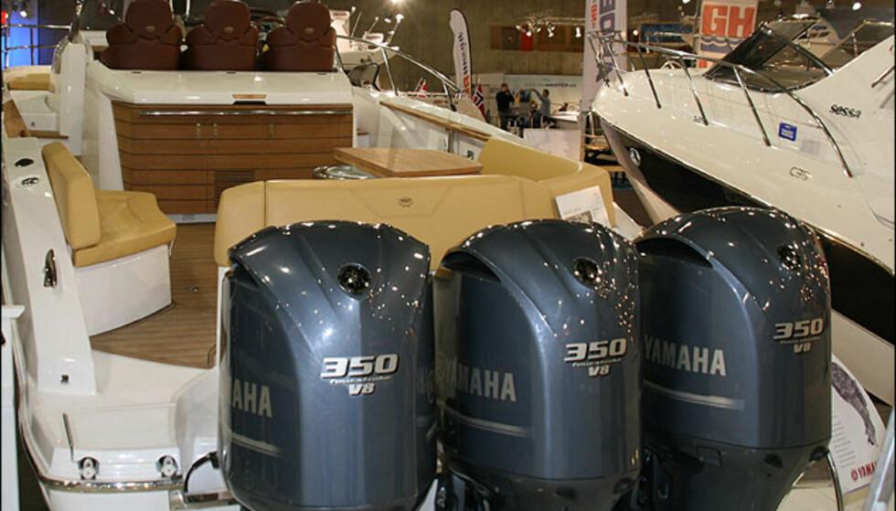 Sessa Key Largo 36. En av svært få båter som er spekket for Yamaha V8.