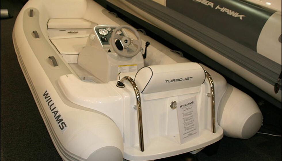 Williams Turbojet. 0,9-liters turbomotor med vannjet.