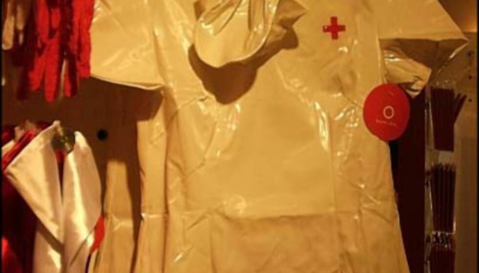 Er sykepleieruniform drømmen? Pris = 350.- hos Beate Uhse.  one size fits all - så da så...