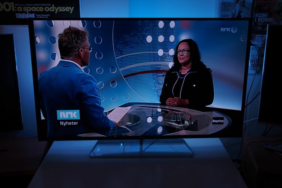 Det er ikke lett å gjenskape på bilder, men til å være en kant-led-TV er sortnivået flott. Vi så heller ingen antydning til lyslekkasjer ved vanlig bruk. Foto: Øyvind Paulsen