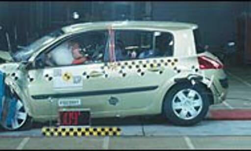 FØRST: Renault Megane er den første bilen i kompaktklassen som oppnår 5 stjerner.