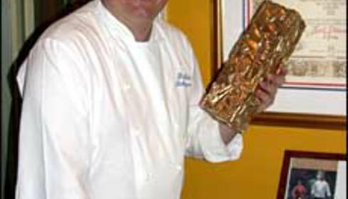 Bent Stiansen med Bocuse d'Or trofeet fra 1993.