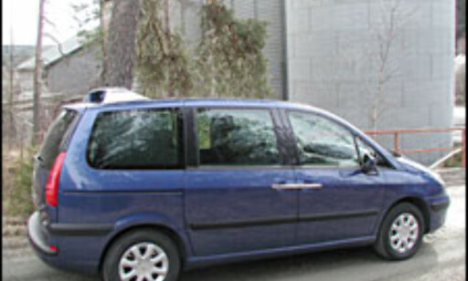 image: TEST: Peugeot 807 ST 2.2