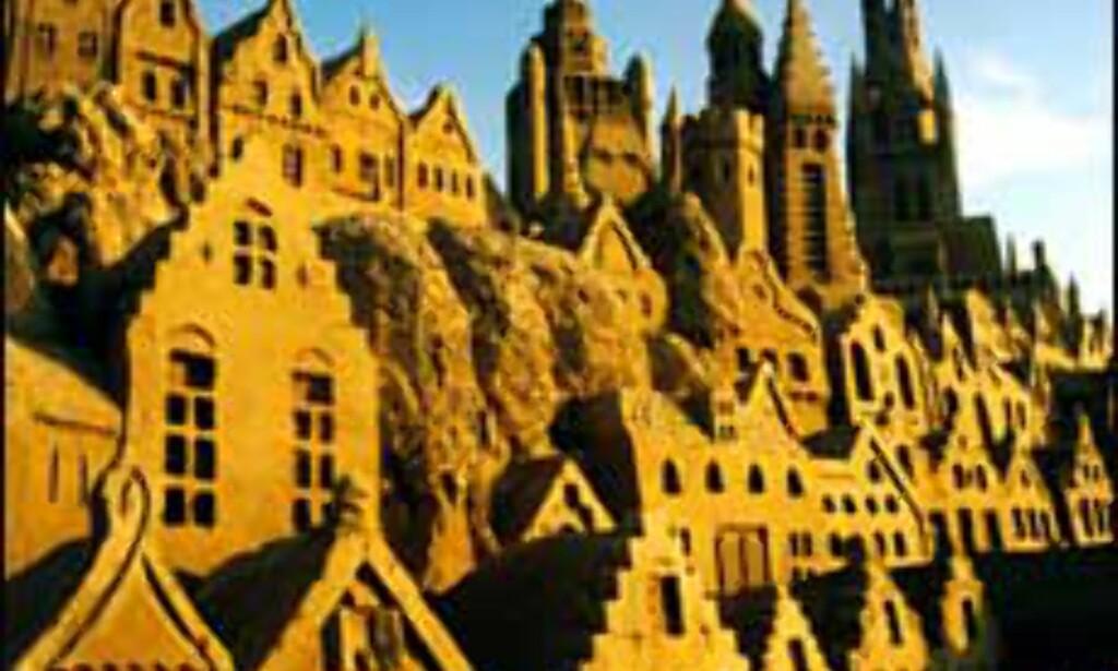 Bilde fra sandskulpturfestivalen i 1997.<br /> <I>Foto: Inaxi/Skulpturfestival Zeebrugge 2003</I> Foto: Inaxi/Skulpturfestival Zeebrugge 2003
