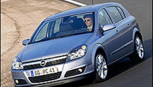 Splitter ny Opel Astra