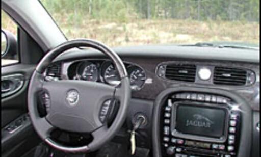 image: TEST: Jaguar XJ6